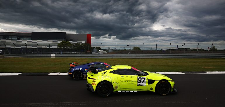 Hand and Canning take class win at Silverstone